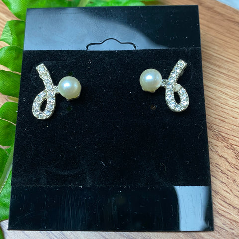 Sweet Ribbon Style Stud Earrings