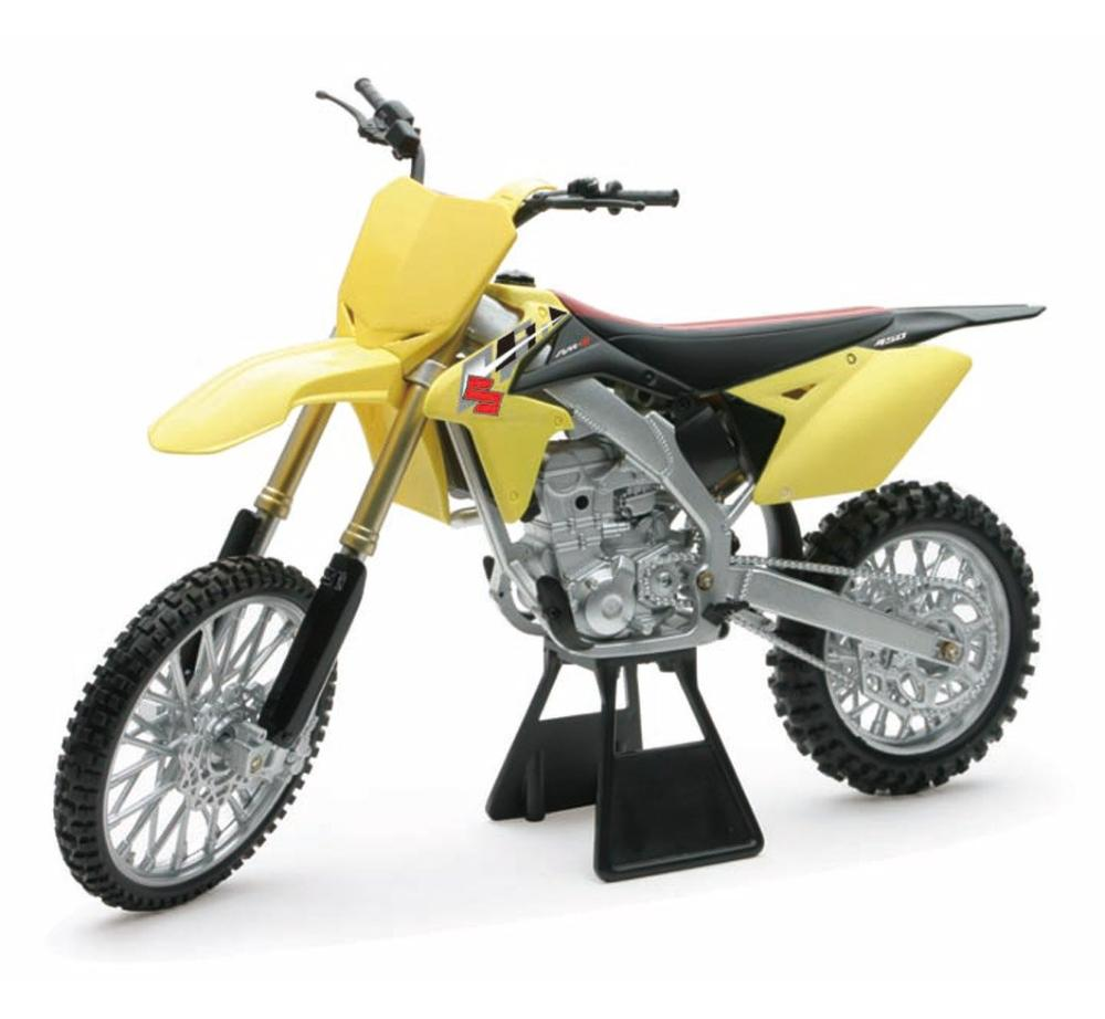 New-Ray 1:6 Scale Suzuki RM-Z450 2014