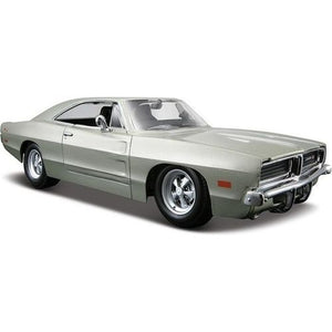 Maisto 1/25 Dodge Charger R/T 1969  Hemi Silver