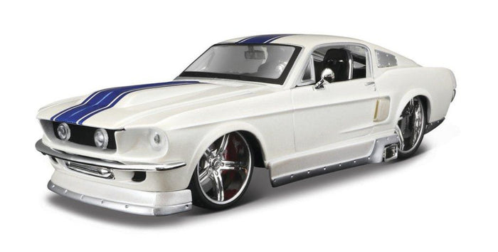 Maisto 1/24 Ford Mustang GT 1967 - White
