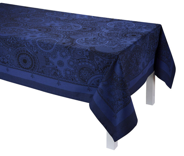 Porcelaine Tablecloth, Placemats & Napkins