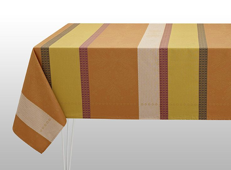 Vent D'Ouest Coated Tablecloth & Napkins