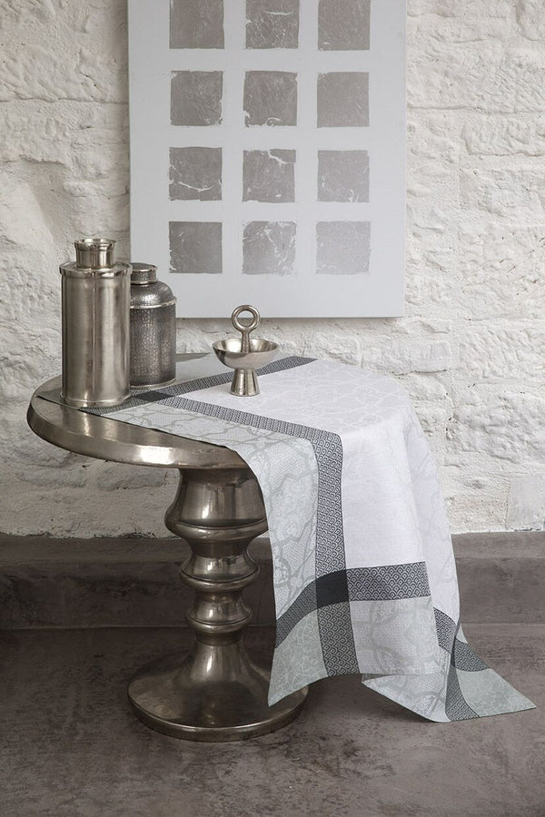 Pondichery Tablecloth & Napkins