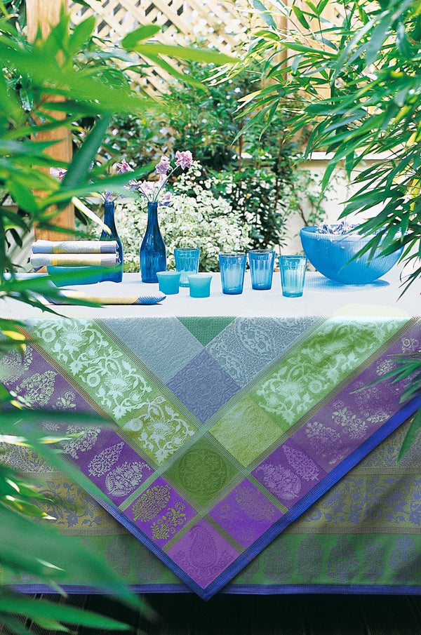 Sari Tablecloth, Placemats & Napkins