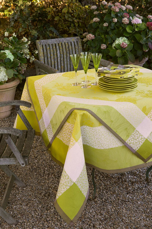 Parfums De Bagatelle Tablecloth, Placemats, Napkins & Runners