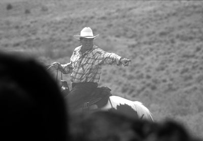 Video: Ranchers help a family in need