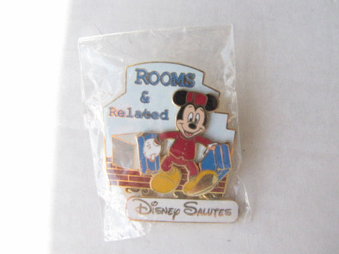 Walt Disney World 2002 Rooms & Related Cast Trading Pin