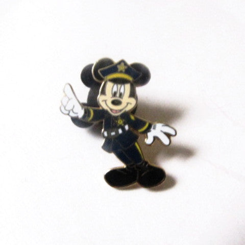Disney World 2001 Policeman Mickey Mouse Trading Pin