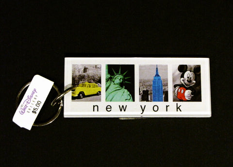 Walt Disney Gallery Retired New York City Mickey Mouse Keychain