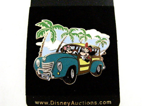 Disney Auctions 2004 Exclusive Mickey & Minnie Surf Vacation LE 500 Pin