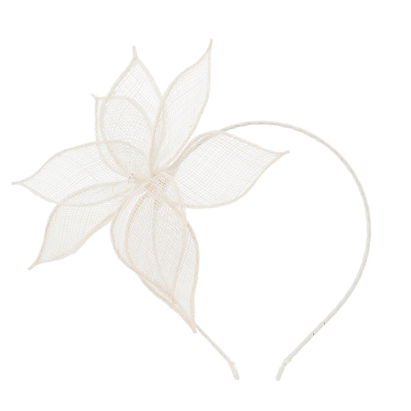 The Sinamay Lily//Ivory
