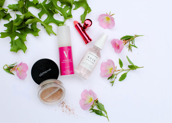 Clean Beauty on the Go: Must-Haves for Your Spring Travels