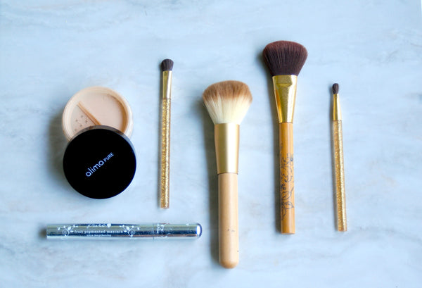 5 Minute Face: The Best Minimalist Makeup Routine.