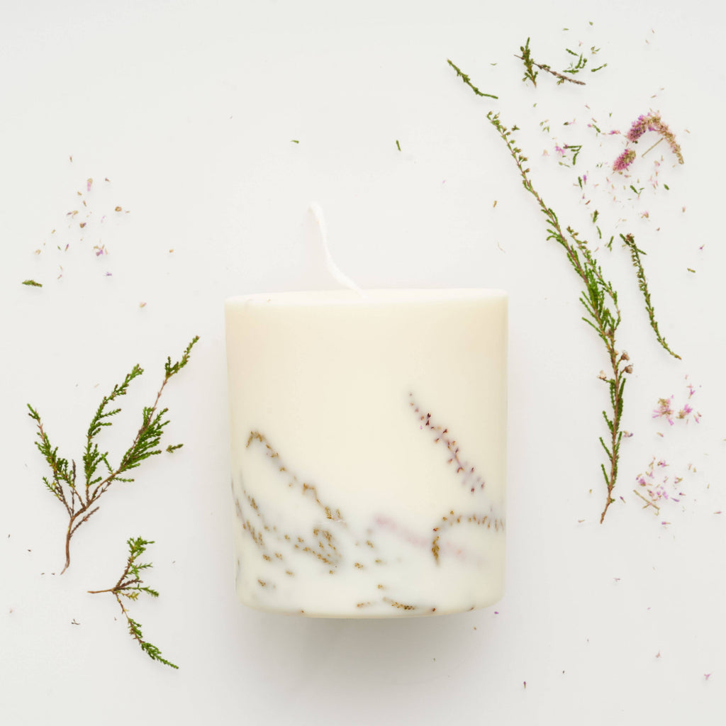 the MUNIO - Heather Candle - shop now at be pure