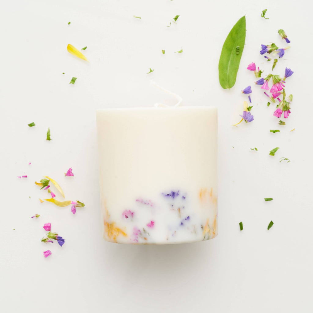 the MUNIO - Wild Flowers Candle - shop now at be pure