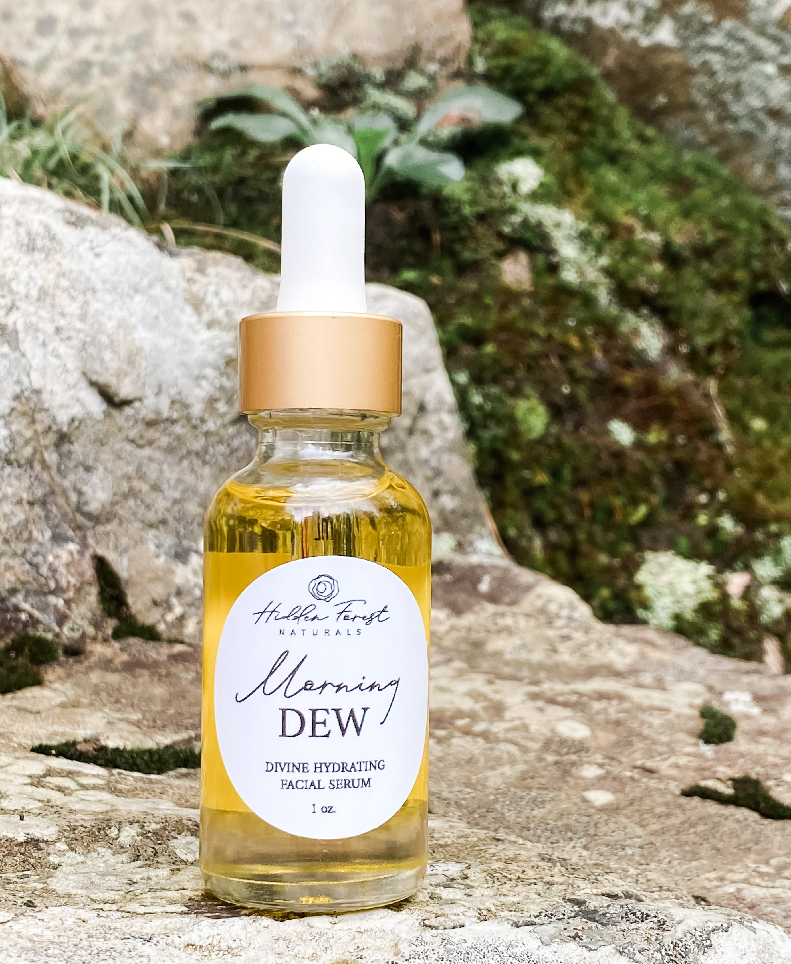 Natural hydrating moisturizer and healing serum in one product. Two drops morning and evening.