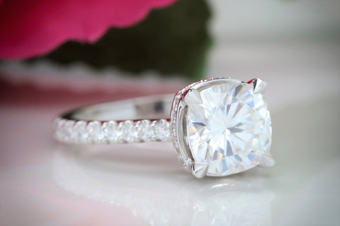 Top 7 Advantages of Getting Moissanite Rings