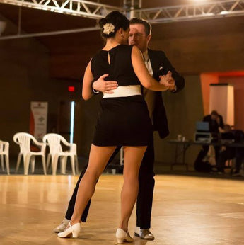 Slow Dance Class!  Apr 25 - May 9, Thursdays, 8:45 - 9:45 (3 weeks)