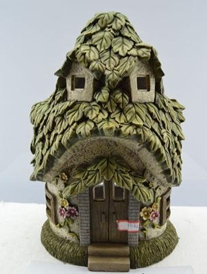 FD50 - Leaf Solar Fairy House -  *TAMARR SALE 50% OFF . BOXED QUANTITIES (2,3,4) 2 . MIN 12 ASSORTED