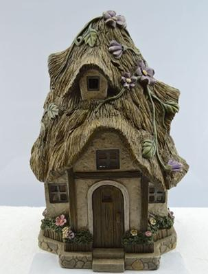 FD51 - Straw Solar Fairy House - TAMARR SALE 50% OFF . BOXED QUANTITIES (2,3,4) 2 . MIN 12 ASSORTED