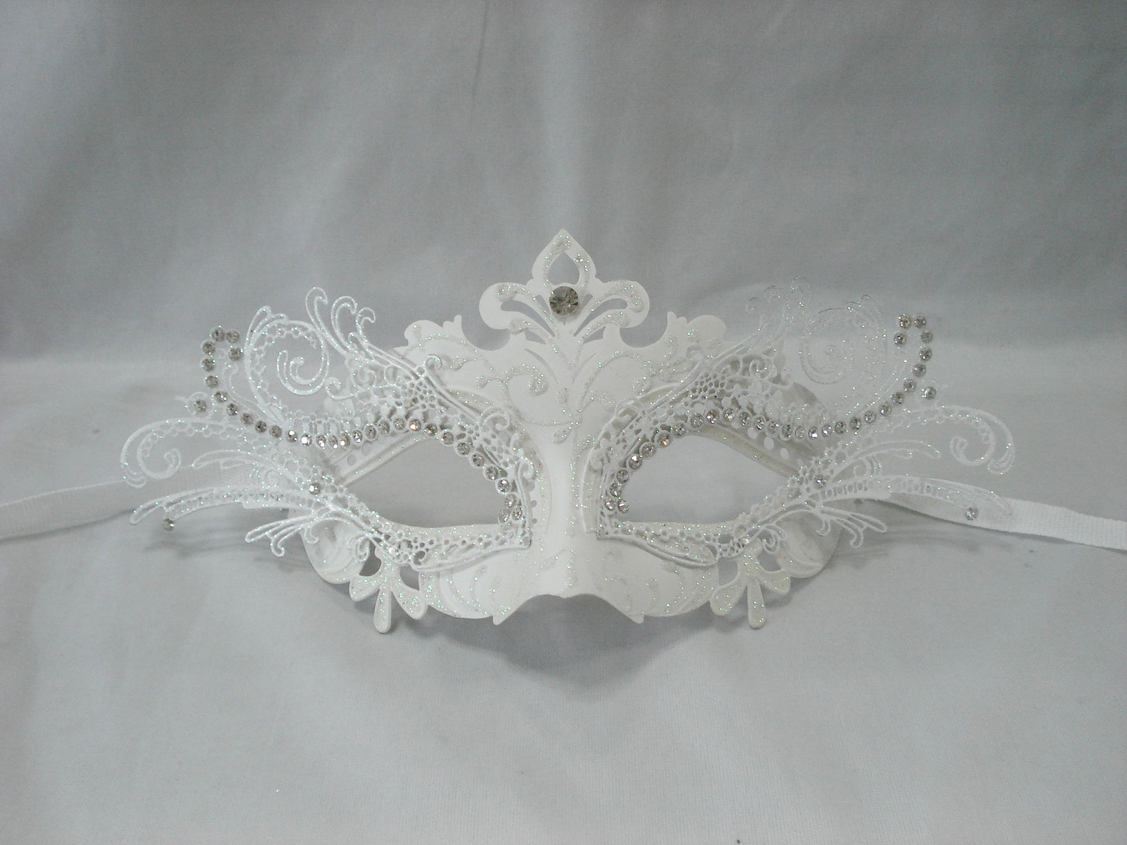 MK115 - White Deco Mask . TAMARR SALE ALL MASKS 50% OFF