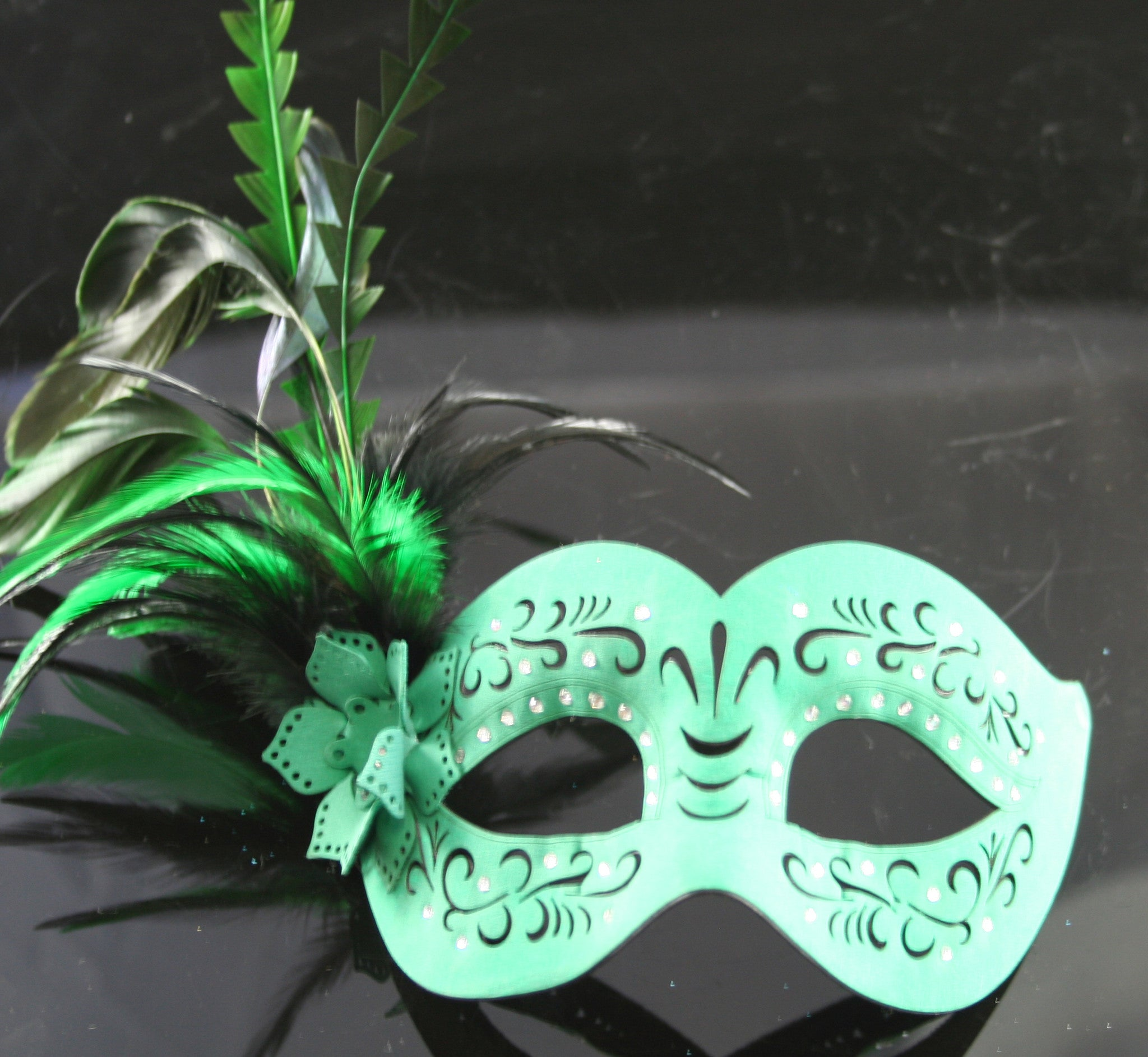 MK137 - Green Leatherette Mask with Feathers - CLEARANCE HALF PRICE OFF ORIGINAL PRICE BELOW