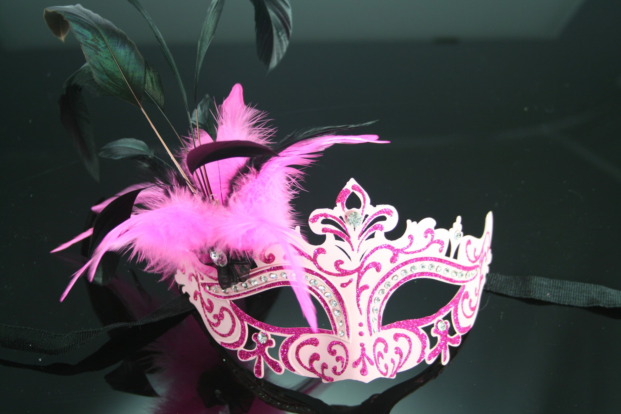 MK92 - Pink Mask with Feathers & Diamantes -  CLEARANCE 50% OFF LISTED PRICE