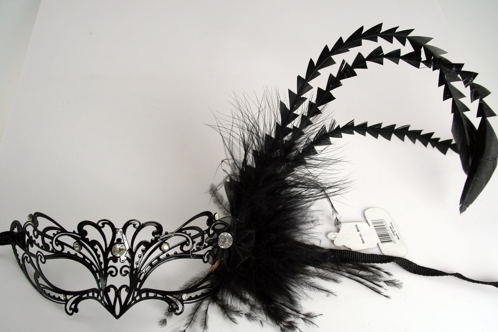 MK94 - Metal Mask with Feather & Diamantes - Min 12