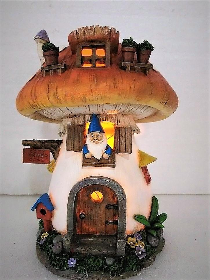 FD70 - Resin Solar Mushroom House . *TAMARR SALE 50% OFF . BOXED QUANITES (2,3,4) 4 . MIN 12 ASSORTED