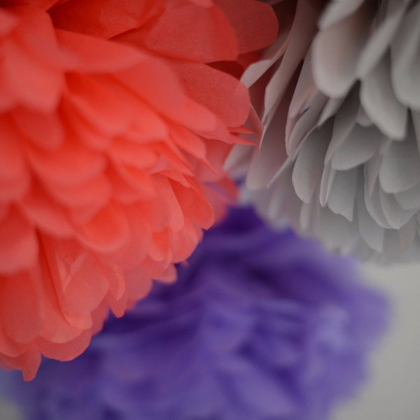 Coral, lavender and grey pom poms party set - Decopompoms - party decoration boutique