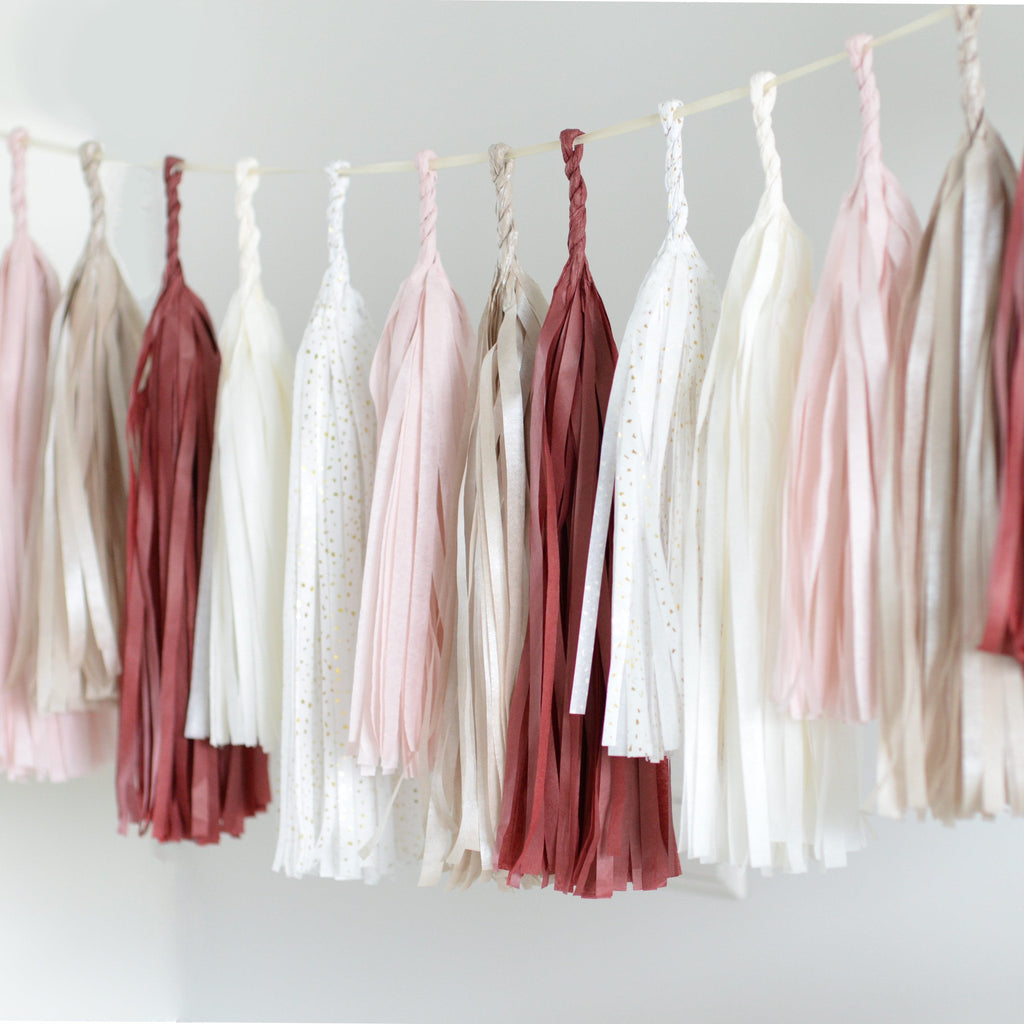 Burgundy blush tassel garland - various lenghts - Decopompoms - party decoration boutique