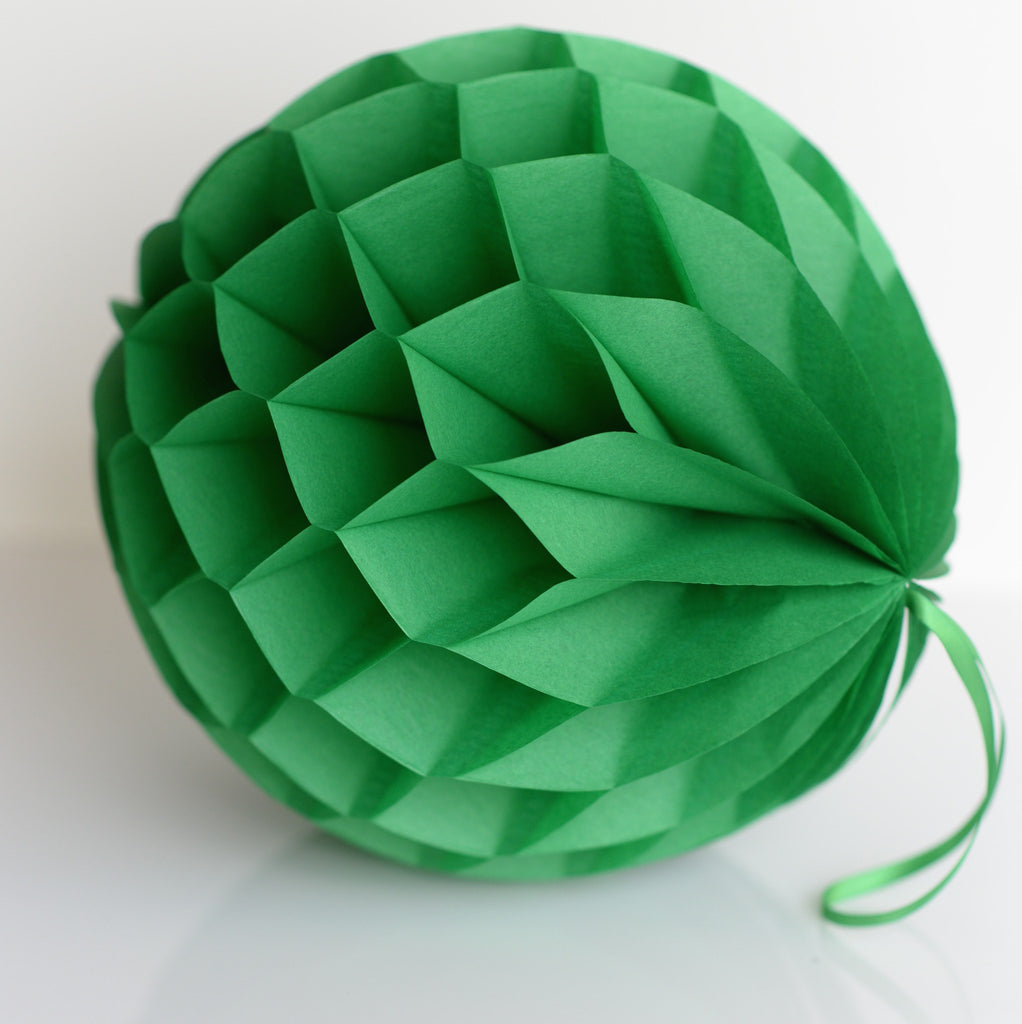 Kelly green paper honeycomb - hanging party decorations - Decopompoms - party decoration boutique