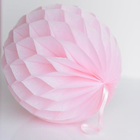 Light pink paper honeycomb - hanging party decorations - Decopompoms - party decoration boutique