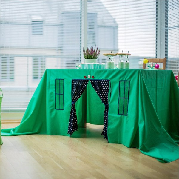 Kids party table cover - Playhouse -