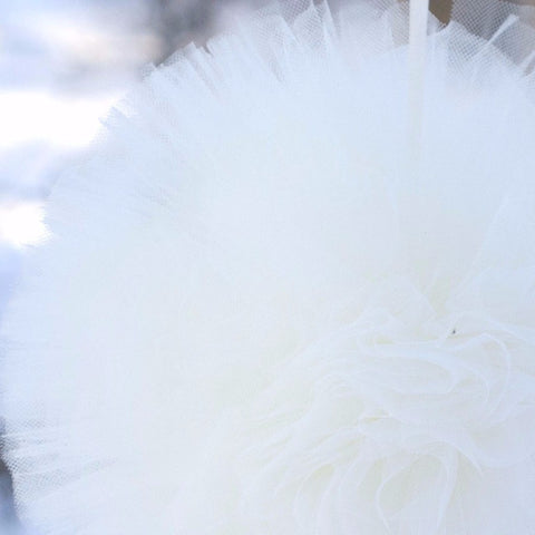 Ivory tulle pom pom - Decopompoms - party decoration boutique