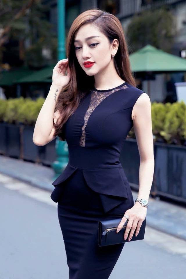DRESS - Black Front  Lace Dress