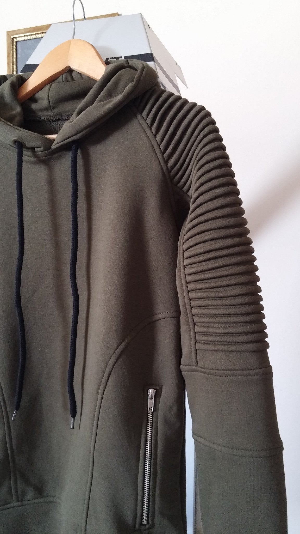 Men's Quilted Shoulder Front Zippers Sweatshirt Hoodie  / Skinny Fit Sweater