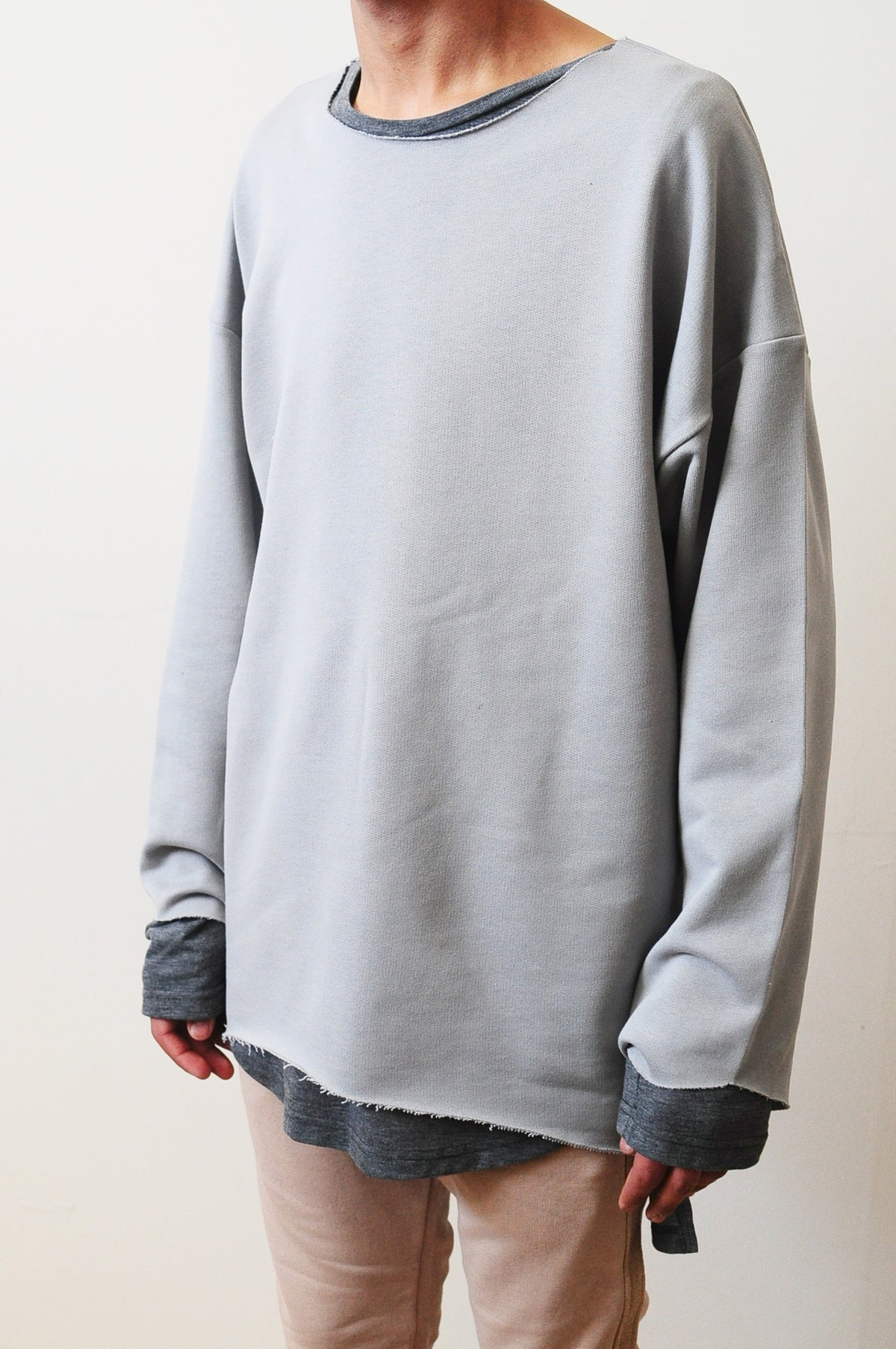 Men Distressed Stone Sweat Strapped Crewneck 3/4 Random Cut