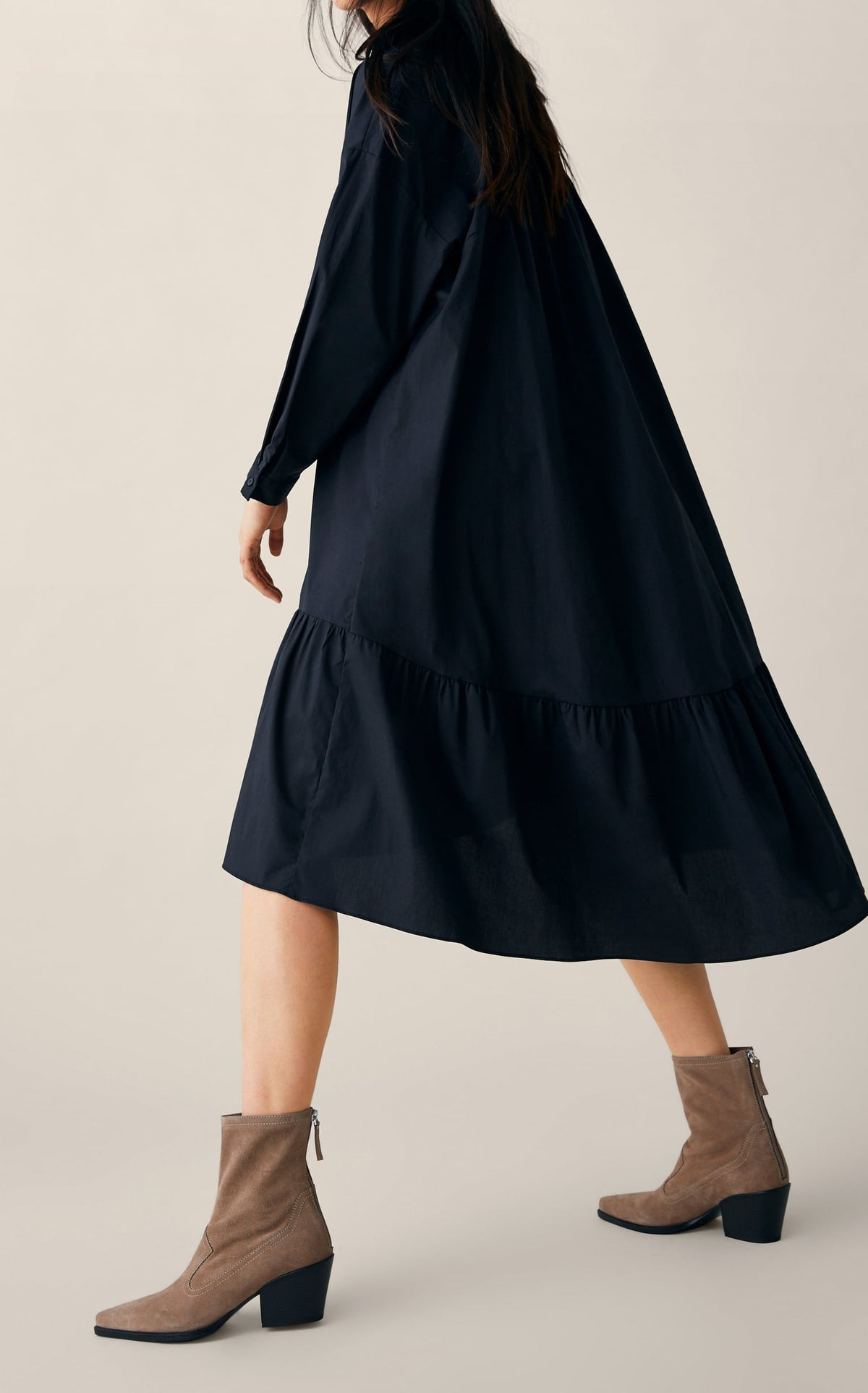 LONG POPLIN DRESS / Asymmetric Hem with Ruffle Trim Long Sleeve Slot Collar