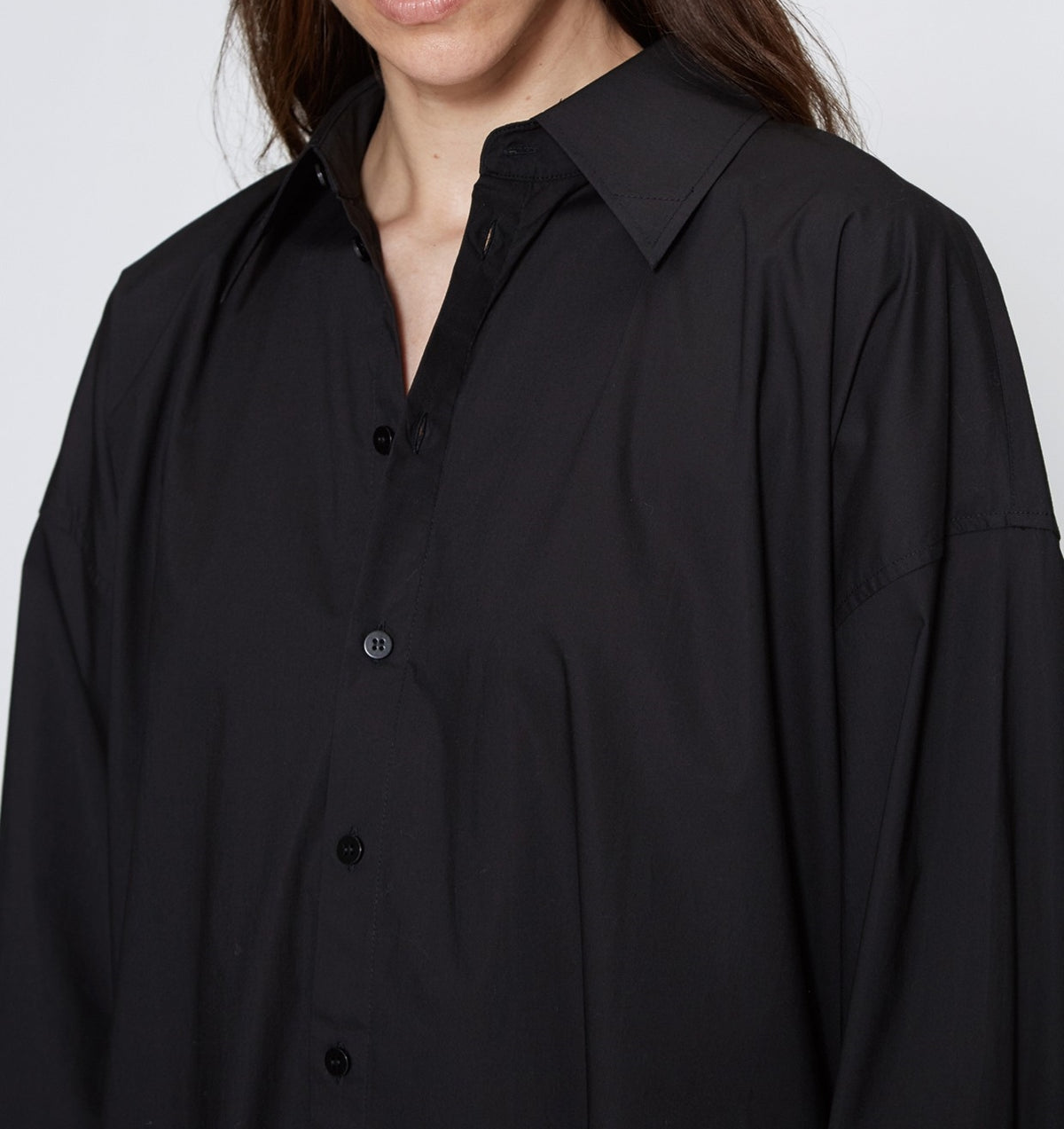 Oversized Shirtdress in Crisp Black Poplin / Pointed collar / Dropped Shoulders / Long sleeves with pleated wrist
