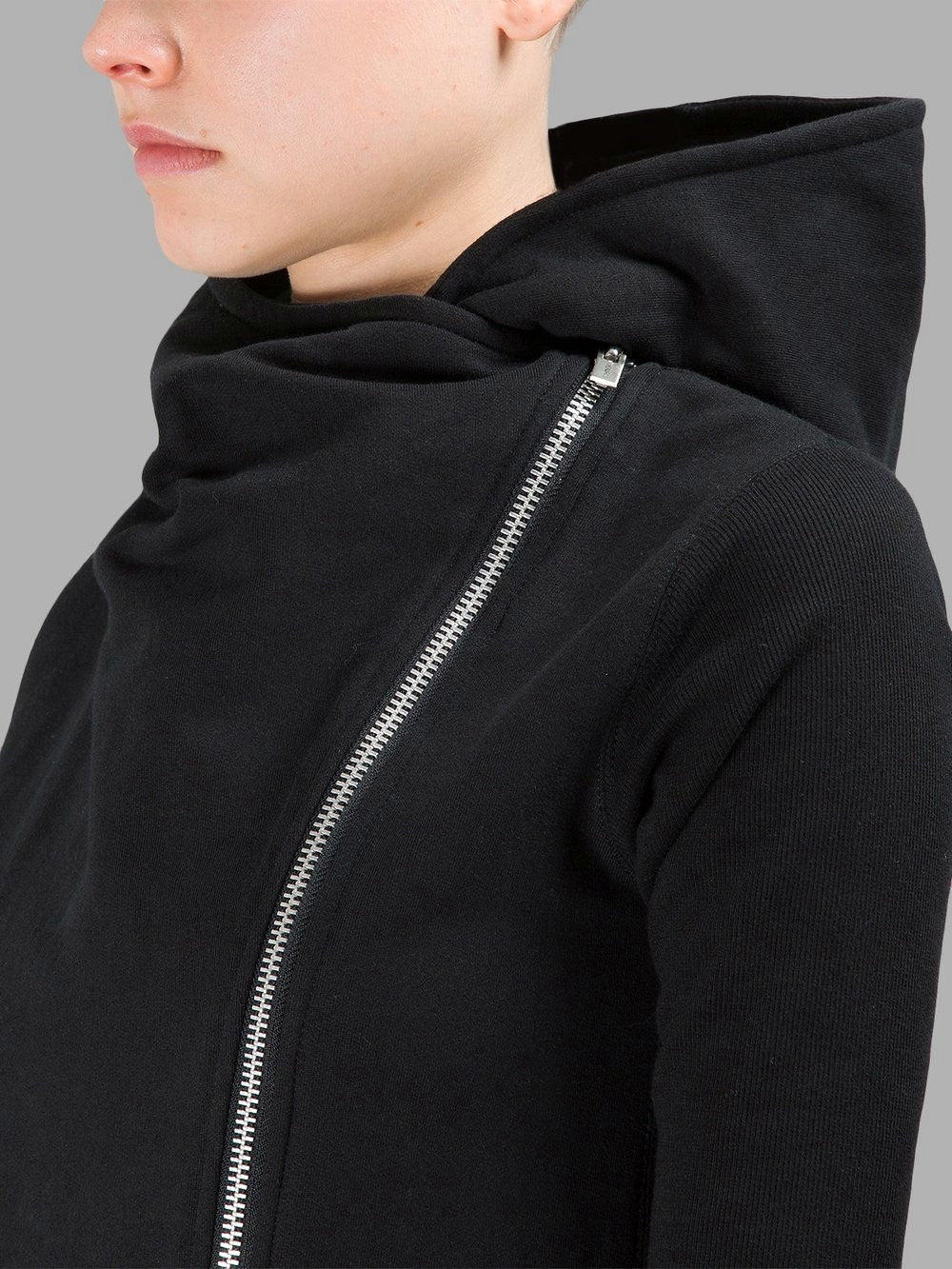 Asymmetric Front Cut // Asymmetric Zip Closure // Overlong Rib Sleeve Hoodie