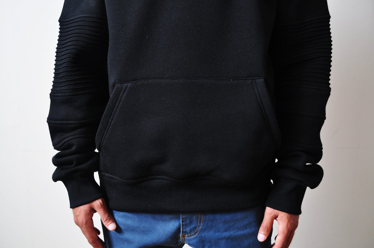 Men Kangaroo Pocket Side Slit Sweatshirt - Pintuck Sleeves Hoodie