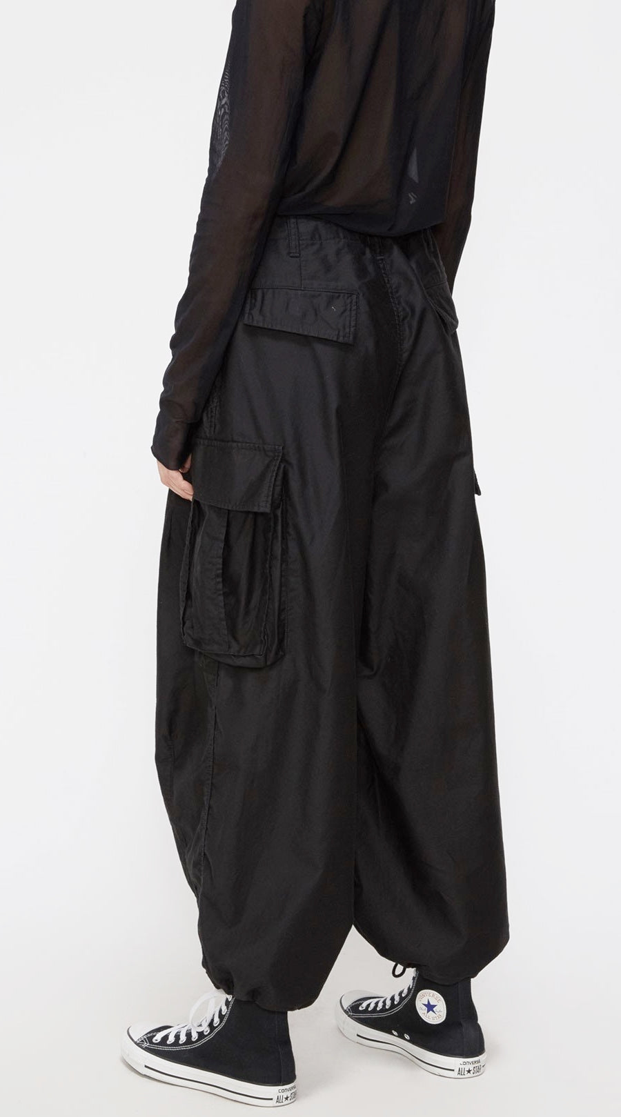 Twill Cargo Pant / Drawstring Adjustment at Waist / Large Patch Pockets /Wide Cropped Leg