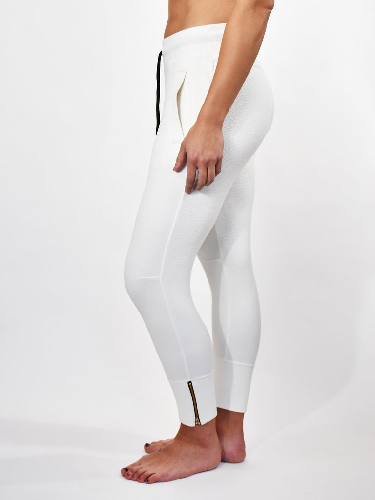 WHITE CONTOUR CROP LADIES JOGGER
