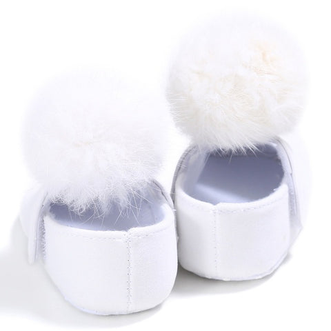 0-18 Months Kids Baby Shoes Solid Infant Girls Shallow First Walkers Toddler Plush Ball Anti Slip Moccasins New Born Baby Shoes