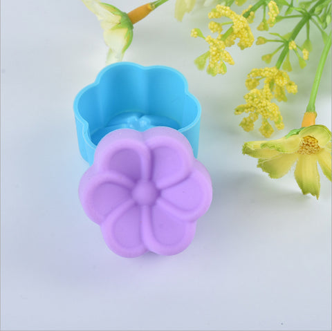 1 Piece flower Cake Liner form Baking silicon biscuit kitchen pastry Mold Chocolate tool Cupcake soap Mold Muffin stencil