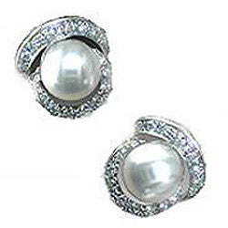 Diamond and Pearl Earrings 14k white gold