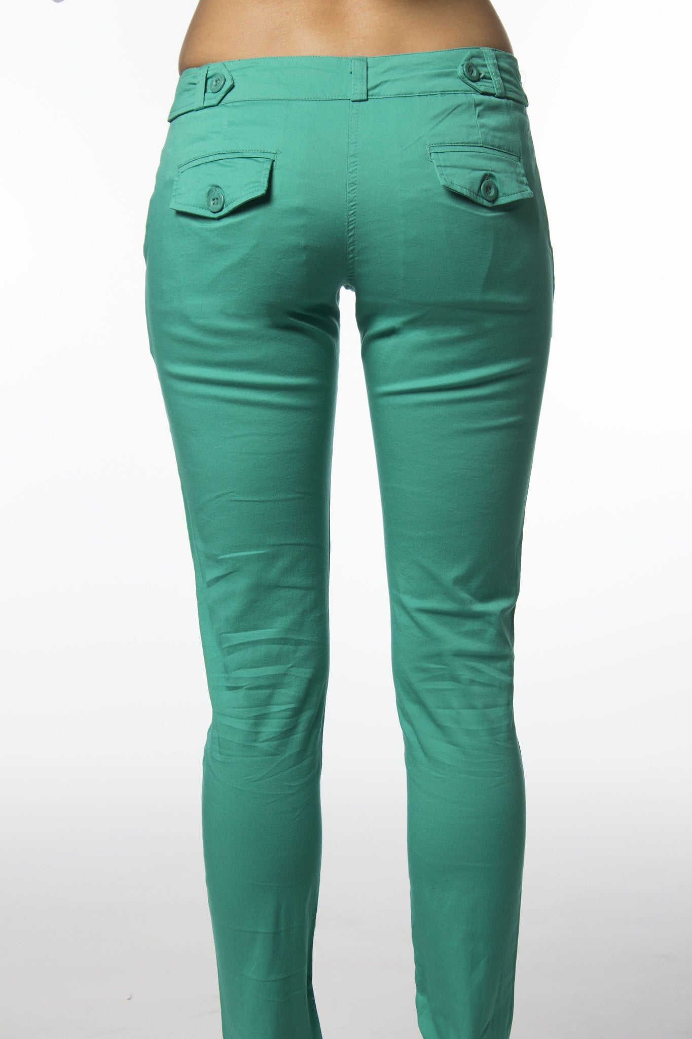 green cotton pant with back flap pockets