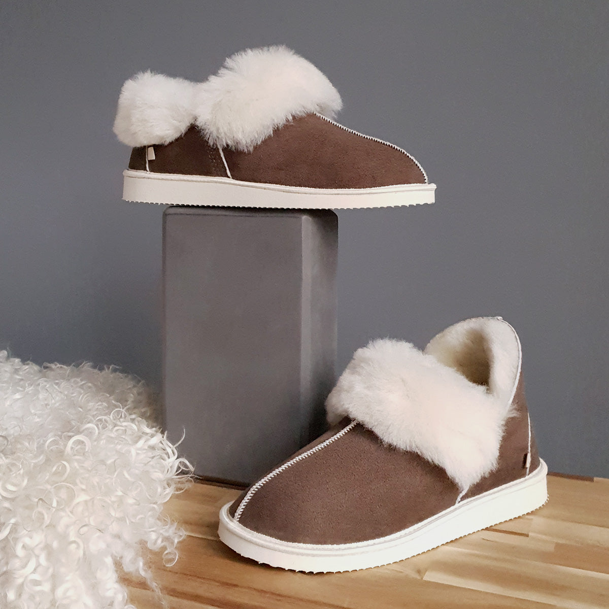 NEW Gael Sheepskin Slippers - Cappuccino
