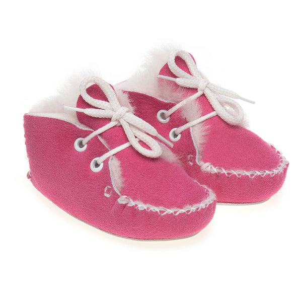 Lupe Hand-Stitched Sheepskin Baby Booties - Pink